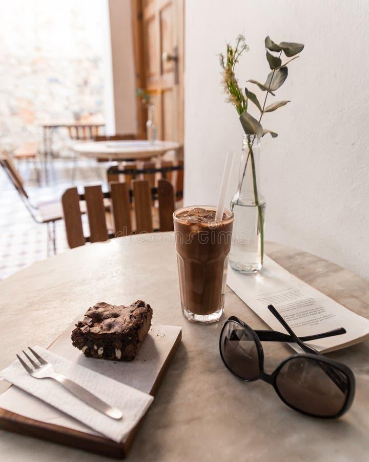 Ehrliches Café des Schokoladenstrengen vegetariers Nahrungsmittel stockbilder