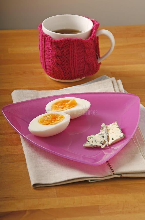 Download Ei, kaas en thee stock afbeelding. Afbeelding bestaande uit roze - 39111679