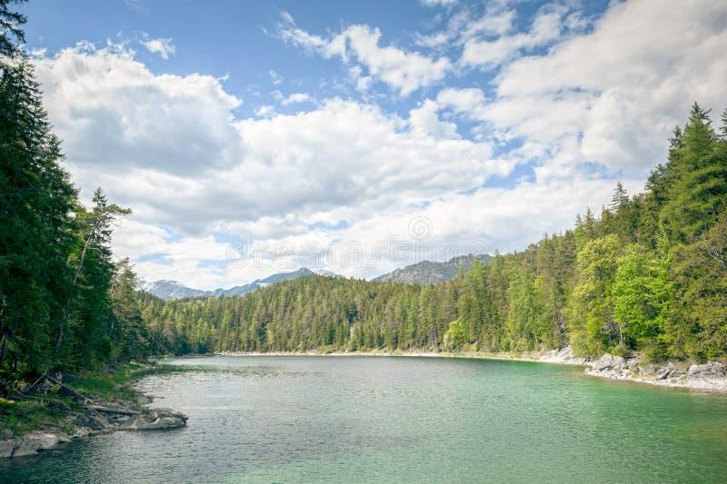 Eibsee Zugspitze stock afbeelding