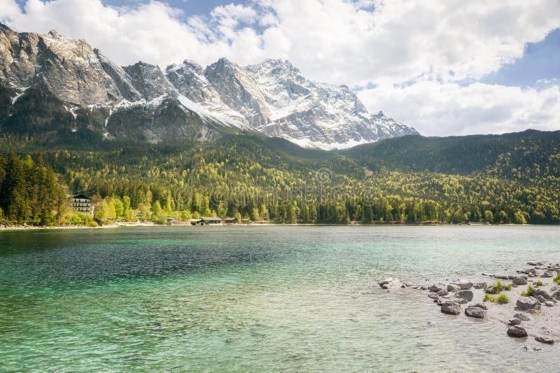 Eibsee Zugspitze royalty-vrije stock fotografie