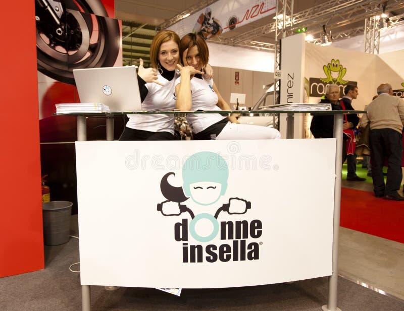 EICMA 2010 - Donne no sella fotos de stock