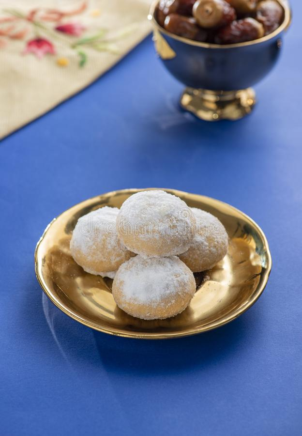 Eid El Fitr Cookies Dish doux, Lesser Holiday Traditional Sweets musulman photo stock