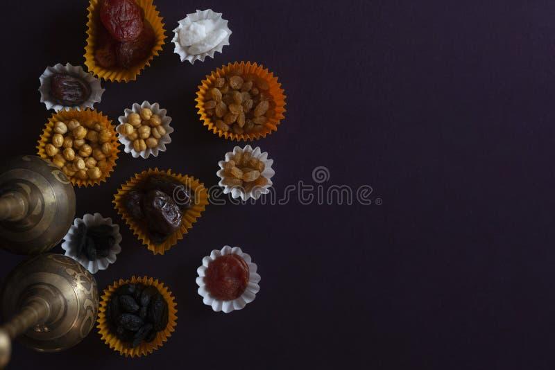 Eid Mubarak Diversos dulces iftar Celebración de Eid Al Adha Día de fiesta tradicional islámico Eid al-Fitr Mes el Ramadán del ac imágenes de archivo libres de regalías