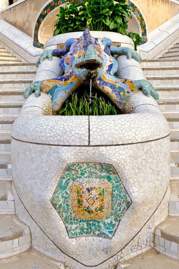 Eidechsen-Brunnen, Park Guell, Barcelona, Spanien lizenzfreie stockfotos