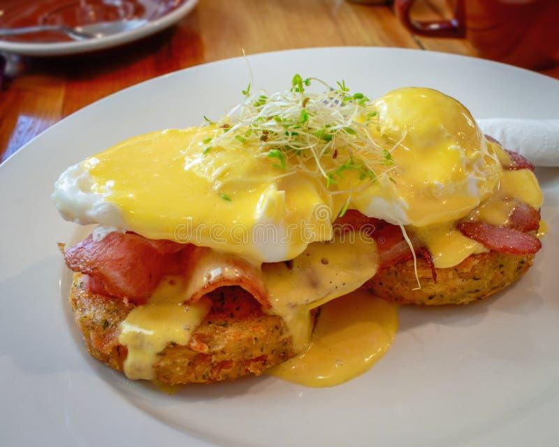 Eier Benedict Breakfast stockbild