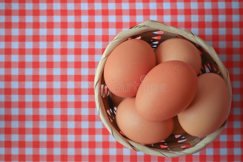 Eier für Frühstücksnahrung in der Küche stockfotografie