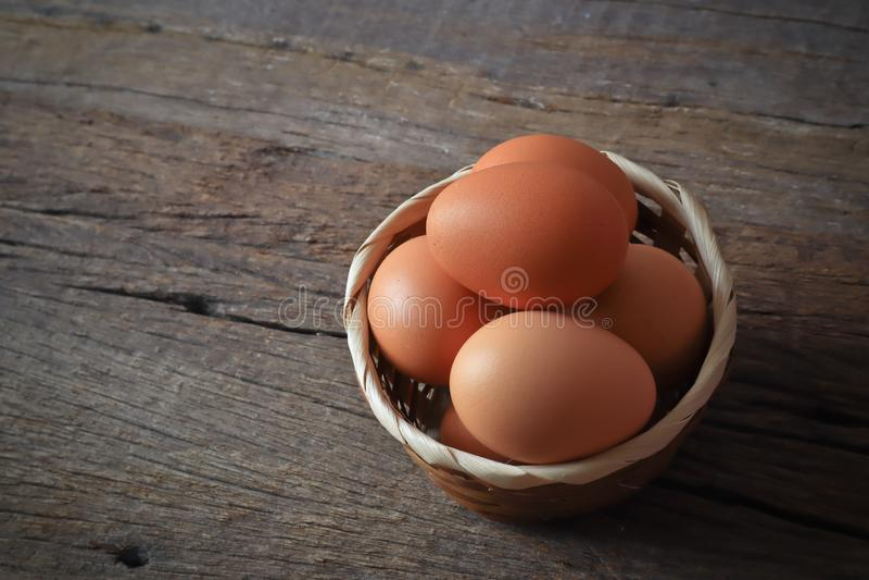 Eier für Frühstücksnahrung in der Küche stockfotos
