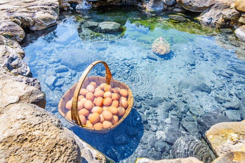 Eieren die in de hete lente, Chae Son Hot Spring bij Lampang-provi koken royalty-vrije stock foto
