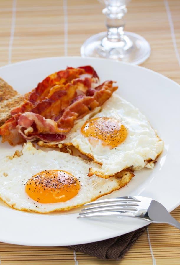 Eieren en bacon royalty-vrije stock afbeeldingen