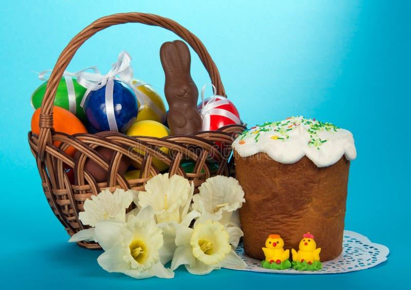 Download Eieren En Een Chocoladekonijn Stock Afbeelding - Afbeelding bestaande uit verfraaid, pasen: 54081239