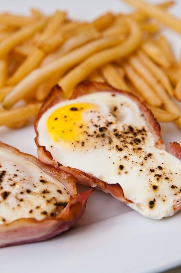 Eieren met ham als Kerstmissnack stock foto