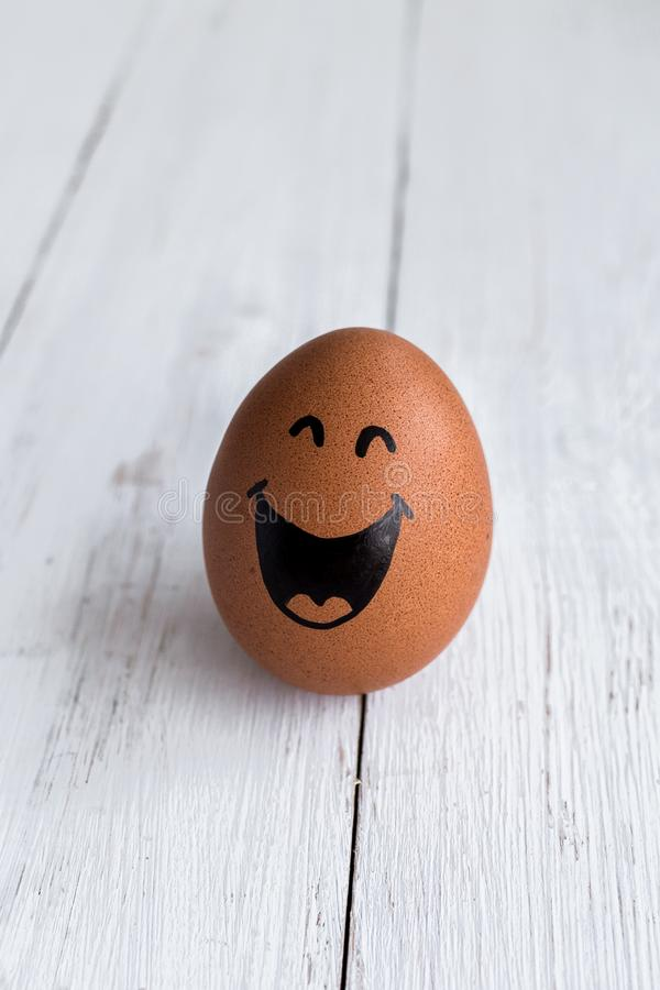 Eierengezichten, drawnigs op ei, grappig gezicht stock fotografie