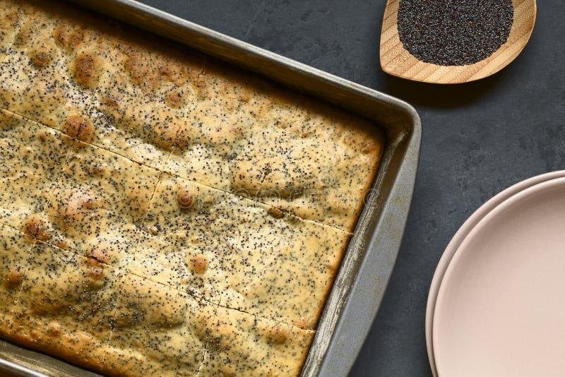 Eierpunch en Poppy Seed Cake stock afbeeldingen