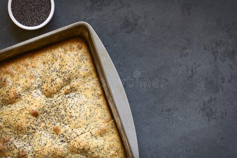 Eierpunch en Poppy Seed Cake royalty-vrije stock afbeeldingen