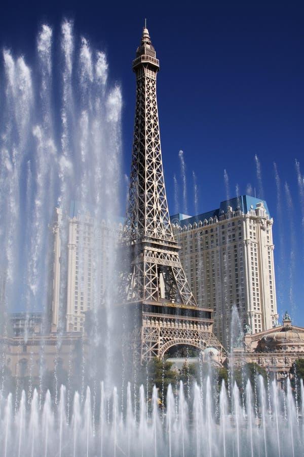 Download Eifel πύργος εκδοτική εικόνα. εικόνα από σκηνή, casino - 17056145