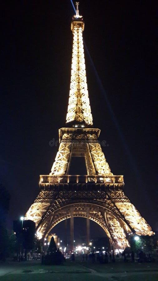 Eiffel к ноча стоковое изображение