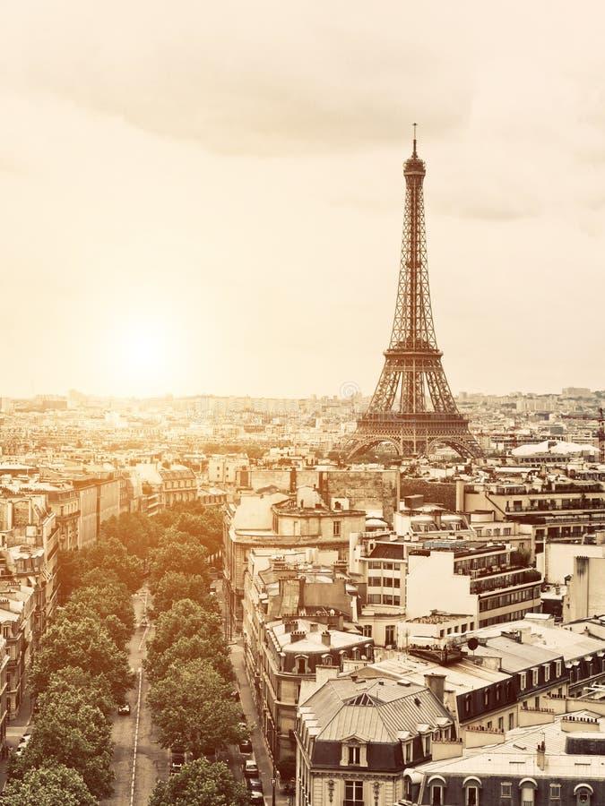 Eiffel del arco del triunfo fotografía de archivo libre de regalías