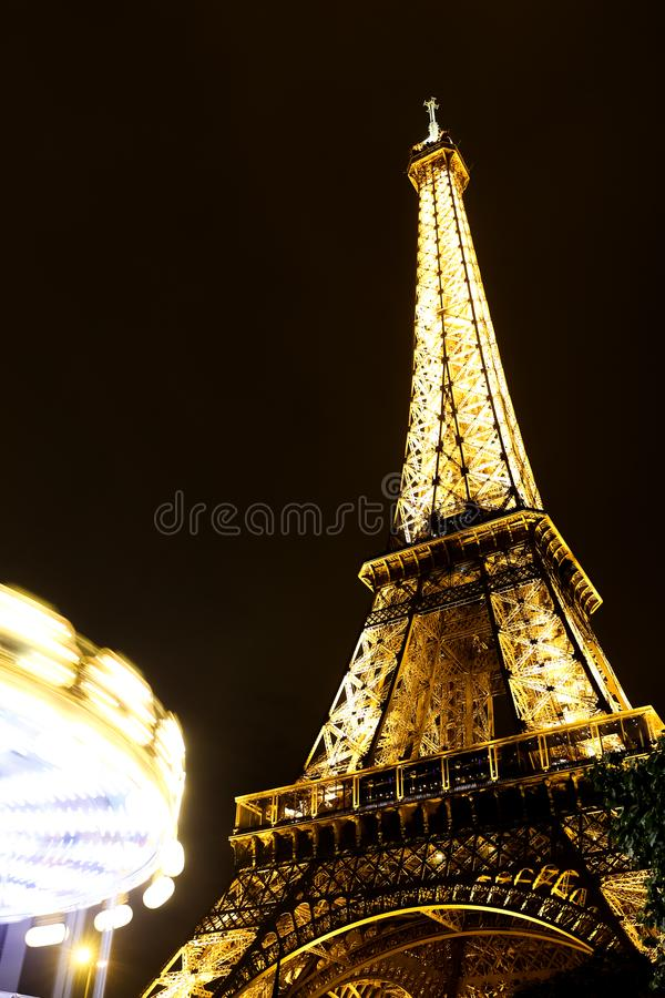 Download Eiffel paris torn redaktionell foto. Bild av natt, monument - 106836600