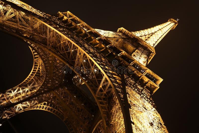 Download Eiffel paris torn redaktionell fotografering för bildbyråer. Bild av lampa - 106836769