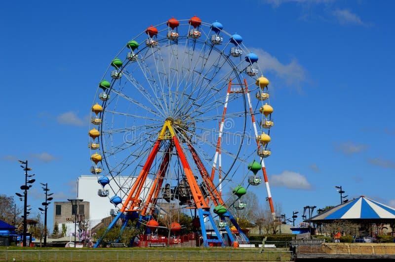Eiffel roda dentro o Parque de La Costa, Tigre, Buenos Aires imagens de stock