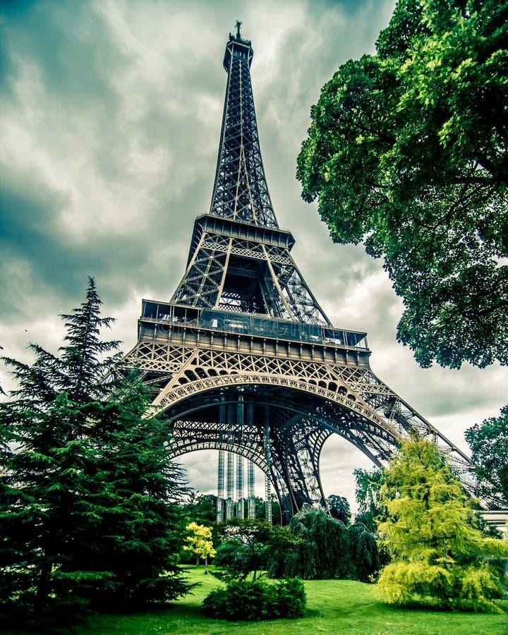 Eiffel torn i HDR arkivbilder