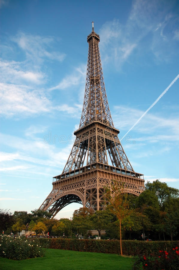 Download Eiffel Tower stock photo. Image of french, landmark, architecture - 22239346