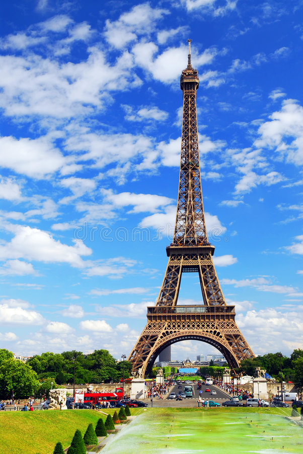 Free Eiffel Tower Royalty Free Stock Image - 2838926