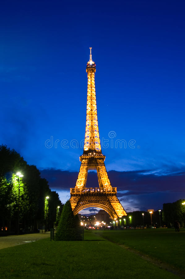 Download Eiffel tower editorial image. Image of paris, architecture - 9712655