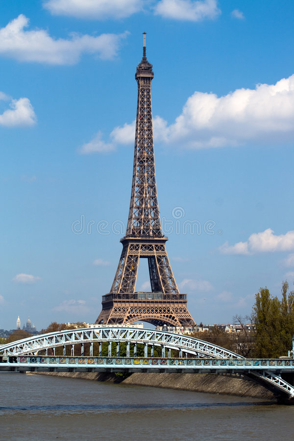 Free Eiffel Tower And Railway Bridge In Paris Stock Image - 6548001