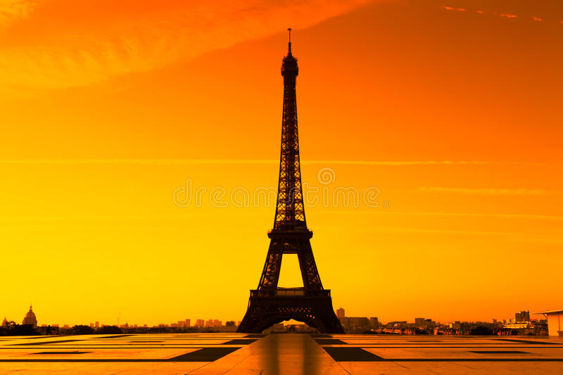 Download Eiffel Tower, Paris stock photo. Image of glow, european - 18191606