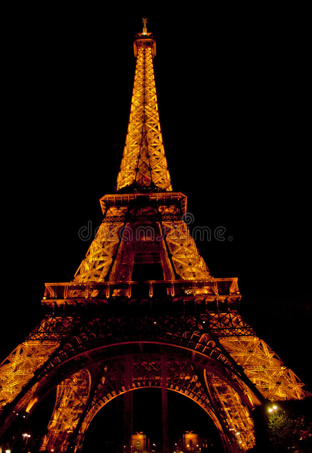 Download The Eiffel Tower In Paris By Night Editorial Image - Image: 34856495