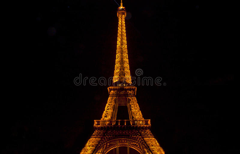 Download The Eiffel Tower In Paris By Night Editorial Stock Image - Image of landscape, city: 34856559