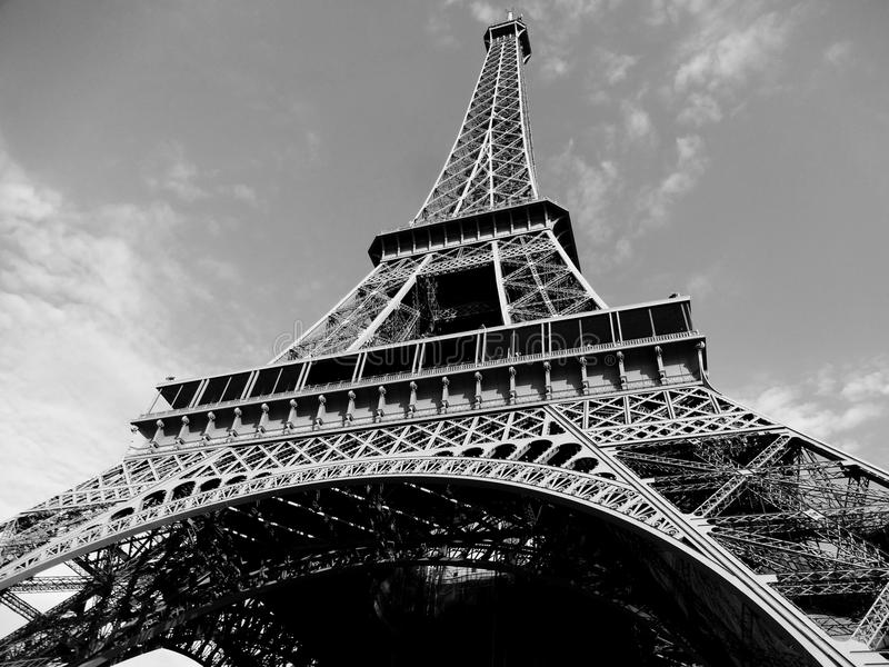 Download Eiffel turnerar fotografering för bildbyråer. Bild av paris - 76702697