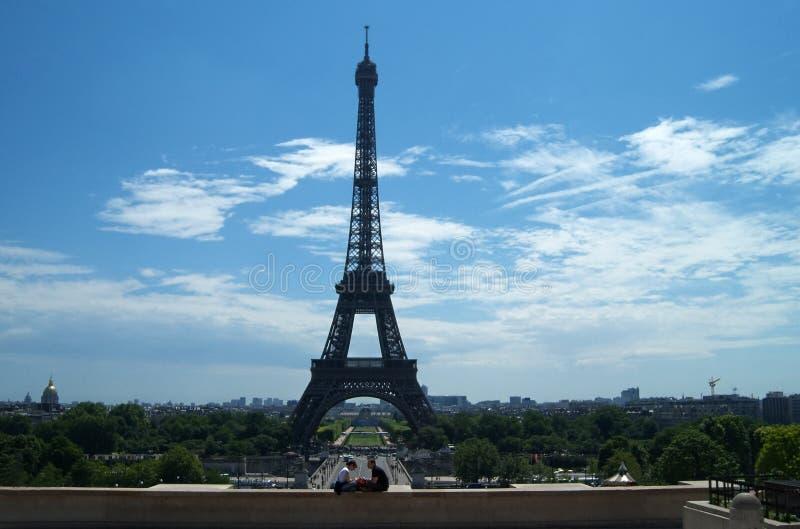 Eiffelromance stockfotografie