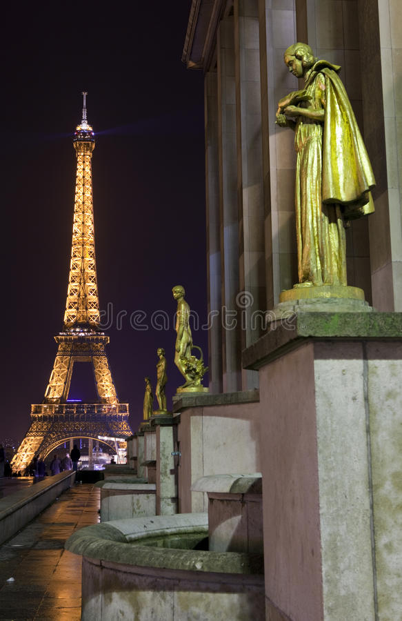 Eiffeltorn från Trocaderoen i Paris royaltyfria bilder