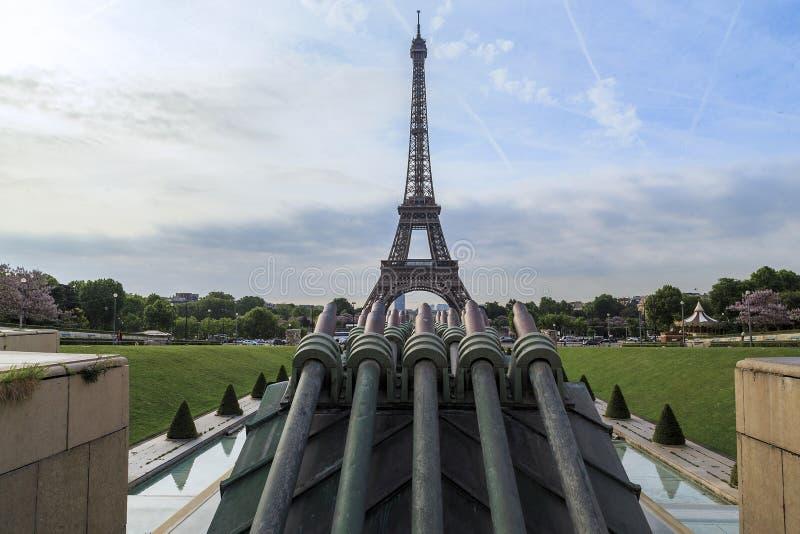 Eiffeltorn på pistolhotet royaltyfri foto