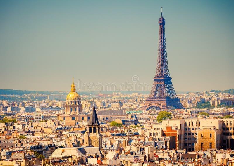 Download Eiffelturm stockbild. Bild von international, französisch - 26369805