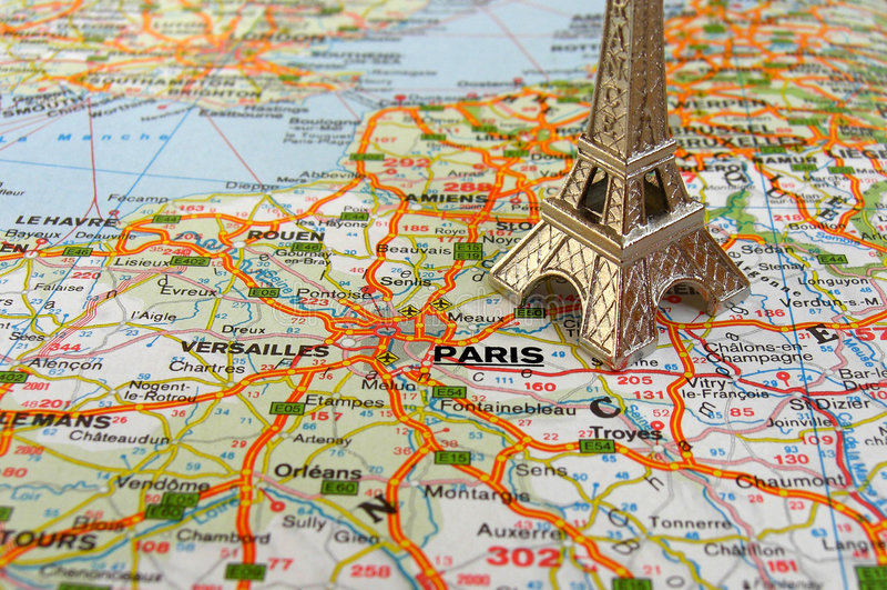 Eiffelturm auf Frankreich-Karte stockfotografie