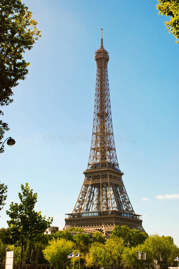 Eiffelturm in Paris stockbild