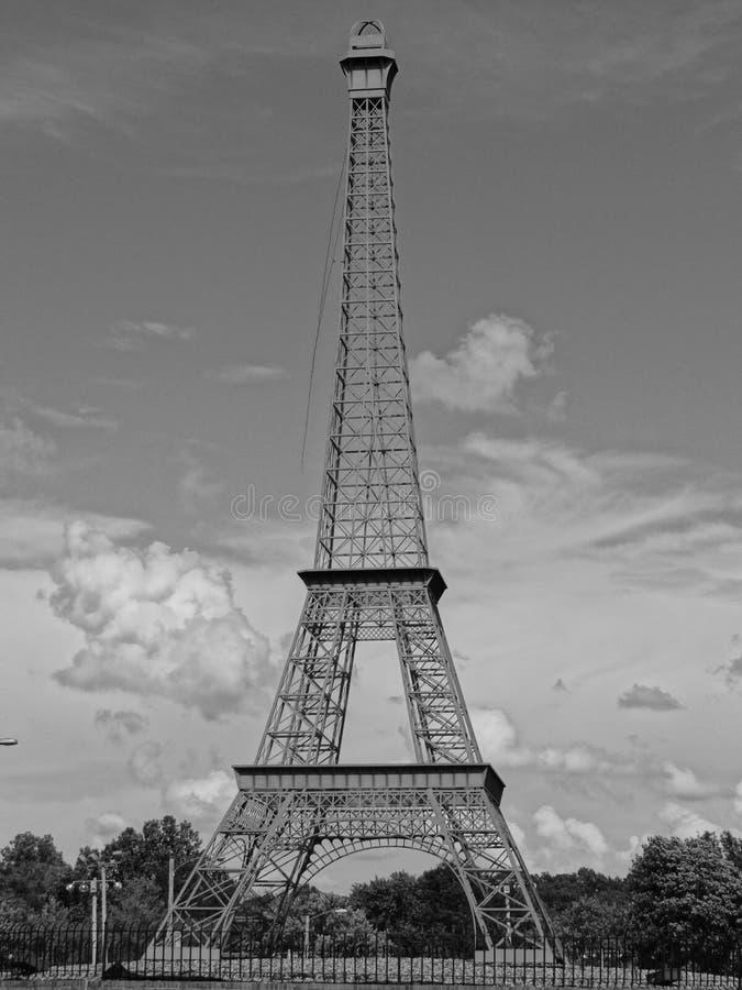 Eiffelturm in Paris, Tennessee lizenzfreies stockbild