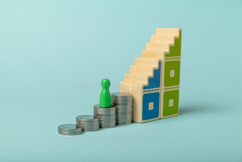 Eigenes Unternehmen gründen, Kapital aufnehmen Entwicklungsplan und Investitionen stockbilder