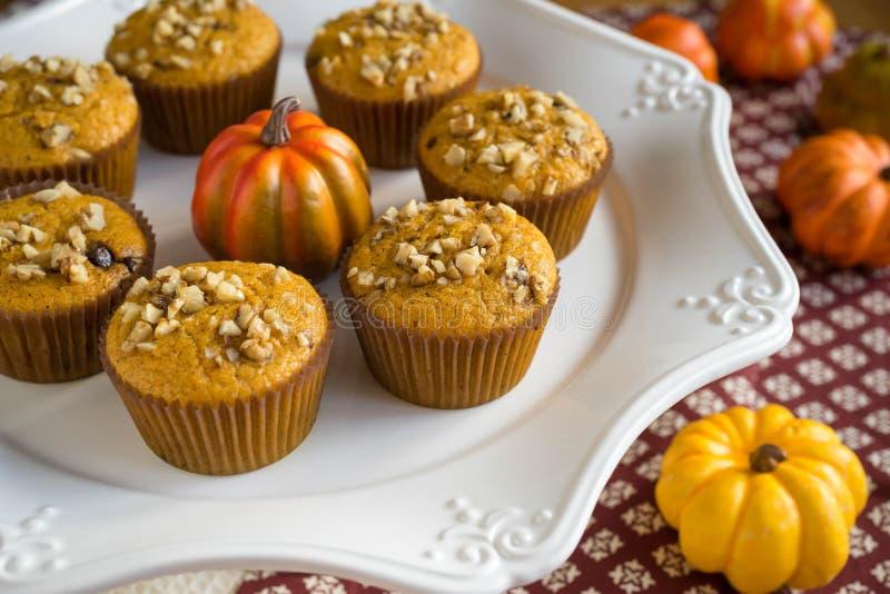 Eigengemaakt Autumn Pumpkin Muffins stock foto