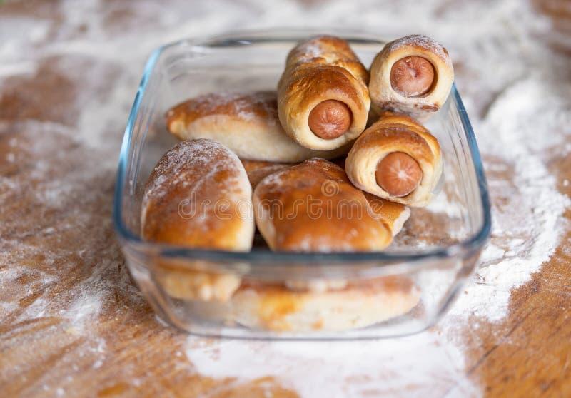 Eigengemaakt baksel volgens het traditionele familierecept royalty-vrije stock afbeelding