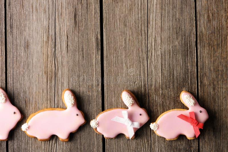 Download Eigengemaakt De Peperkoekkoekje Van Pasen Stock Afbeelding - Afbeelding bestaande uit bruin, suikerglazuur: 29505199