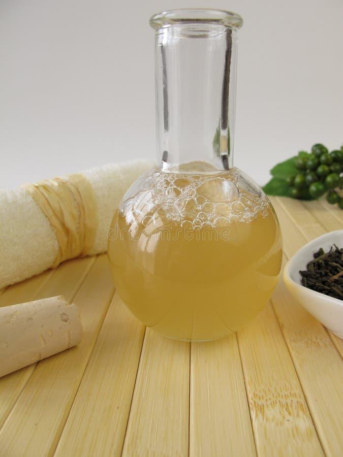 Eigengemaakt douchegel met groene thee en citroengeur royalty-vrije stock afbeeldingen