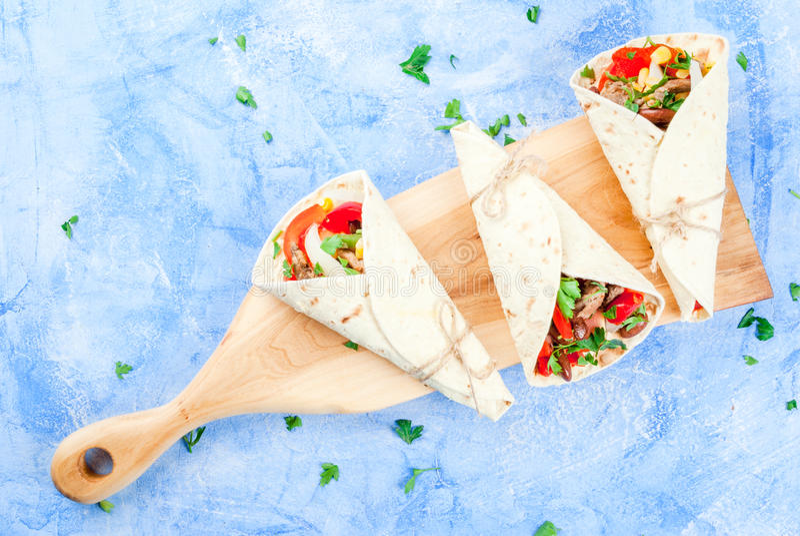 Eigengemaakt Mexicaans voedsel, burrito stock fotografie