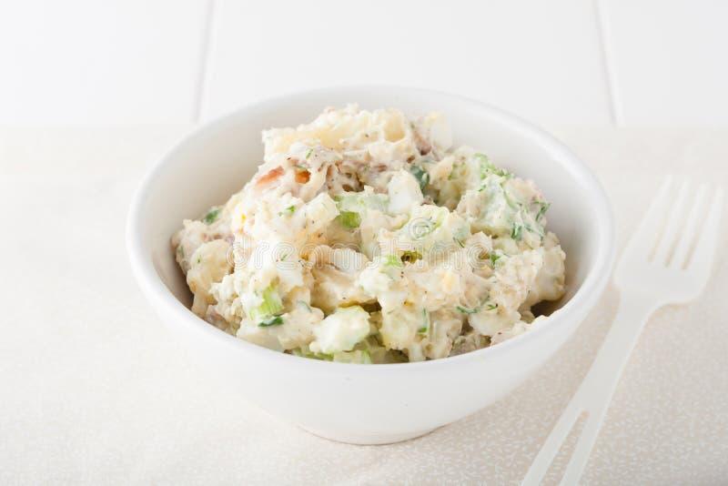 Eigengemaakte aardappelsalade royalty-vrije stock fotografie