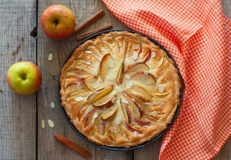 Eigengemaakte appelcake stock fotografie