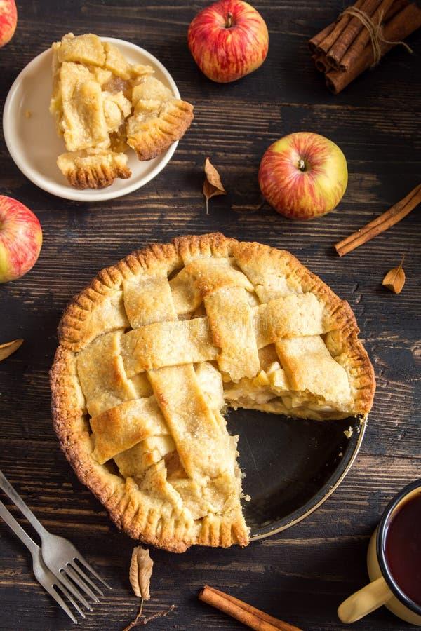 Eigengemaakte appeltaart royalty-vrije stock afbeeldingen
