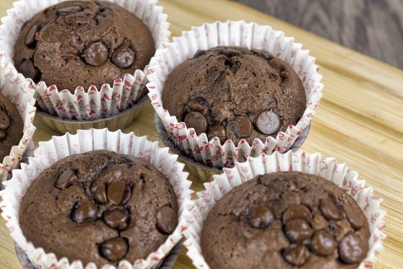 Eigengemaakte Chocolade Chip Muffins stock fotografie